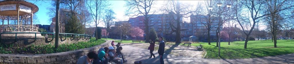 Dans le parc avec le groupe Radio-Alpha-Funoc